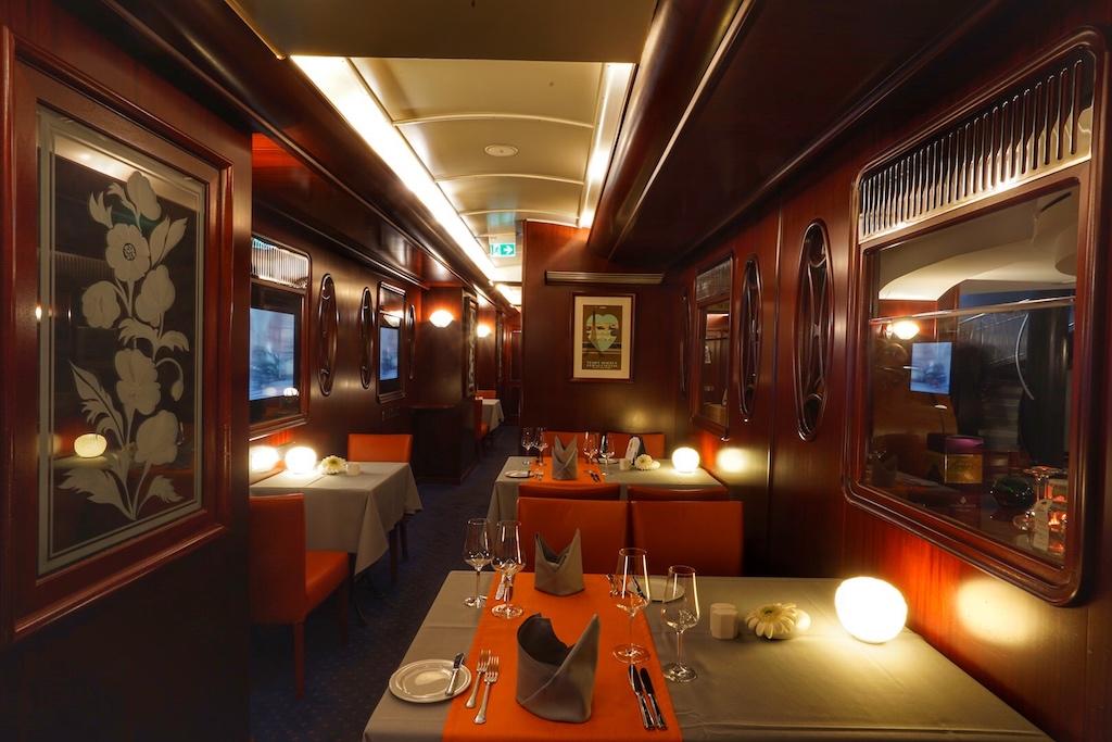 """Eine außergewöhnliche Location verspricht das Restaurant Steaktrain - hier speist der Gast in nachgebauten Abteilen des Luxuszuges """"The Orient Express"""""""
