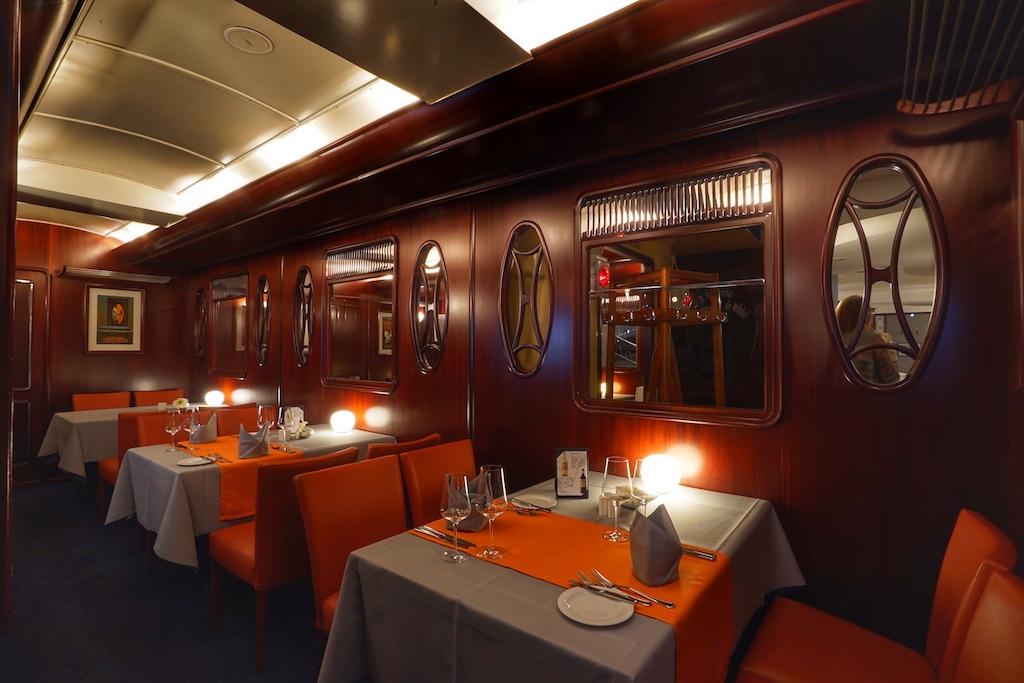 Edel und vornehm - das Ambiente ist eines Luxuszuges wie dem Orient-Express ebenbürtig