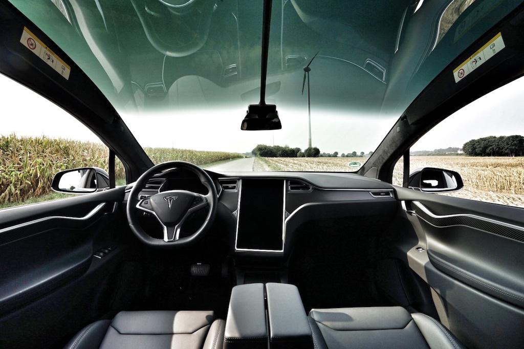 SUV Tesla Model X: Beste Rundumsicht, nach vorne, vorne oben und zu allen Seiten