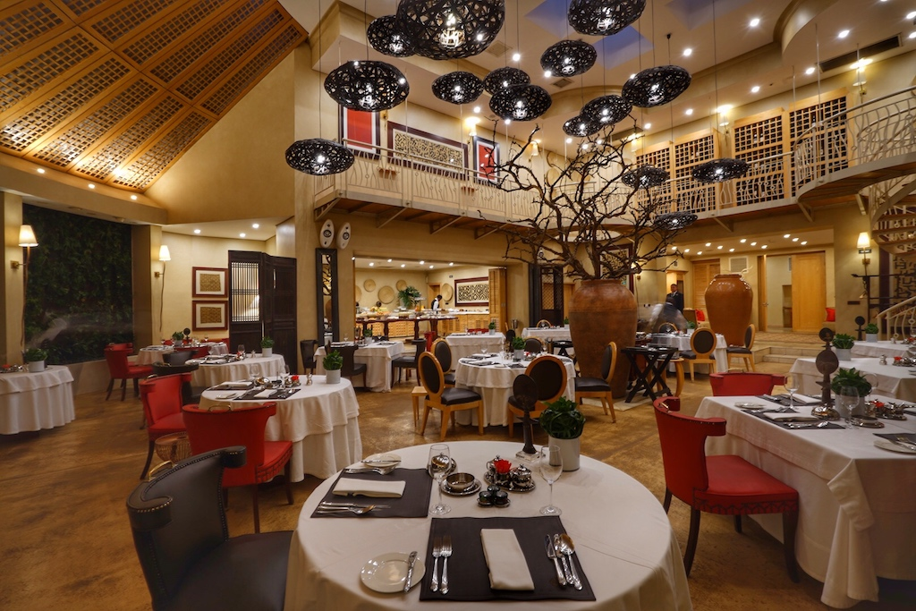 Das Restaurant Qunu lockt allmorgendlich die Gäste ..
