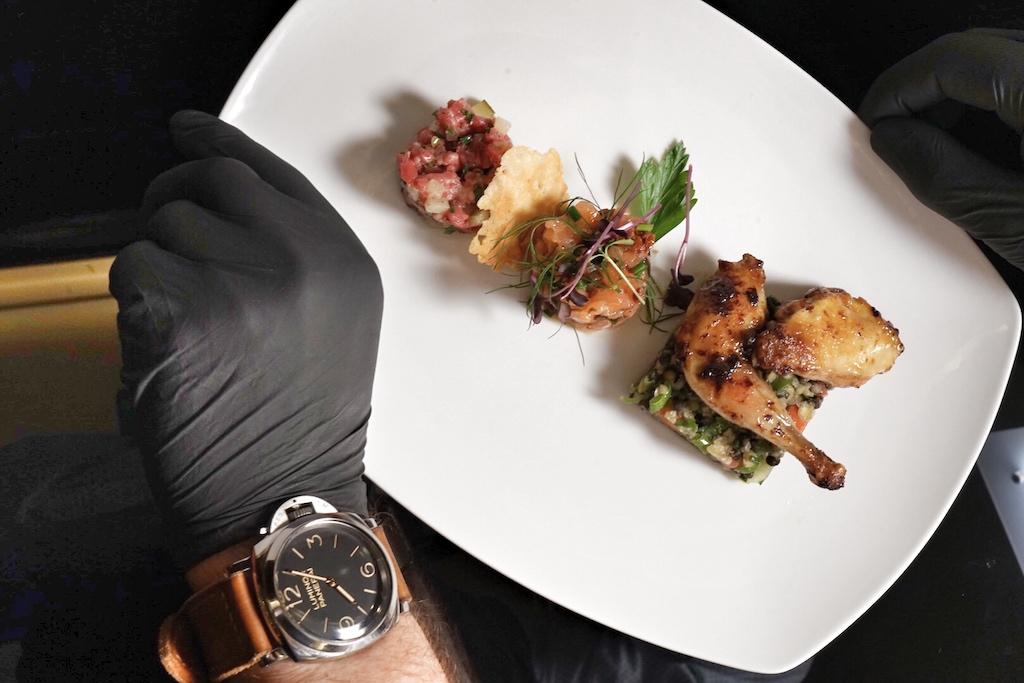 Luxusuhren von Panerai zählen zu den Leidenschaften des Küchenchefs, selbst in der Küche ist er nie ohne eines seiner Lieblingsstücke anzutreffen