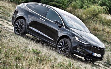 Der Tesla Model X ist ein E-SUV, ist allerdings im Gelände wohl eher selten anzutreffen