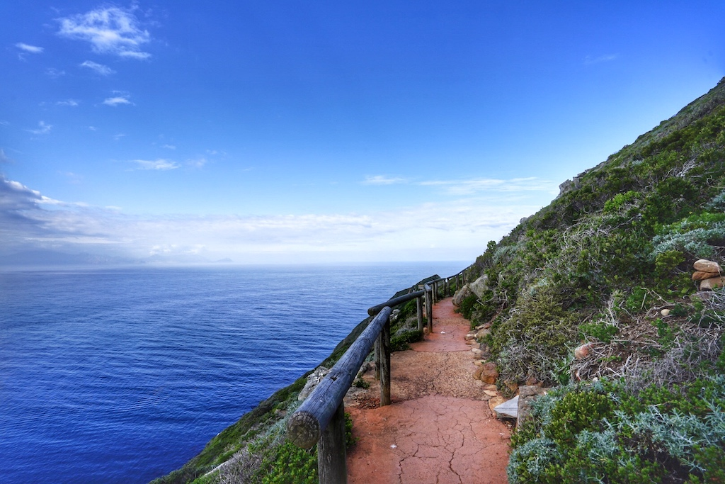 Die Wanderwege ziehen sich entlang von Cape Point, bis hin zum ...