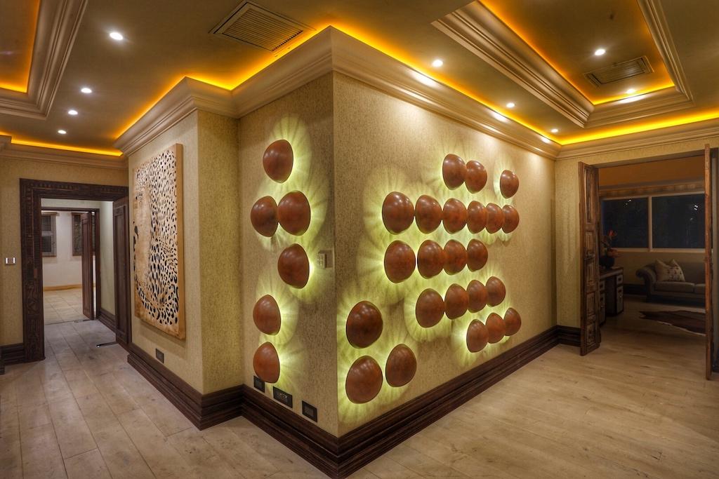 Jedes Element, jeder Wandschmuck fügt sich harmonisch in das Gesamtbild dieser edlen Suite ein