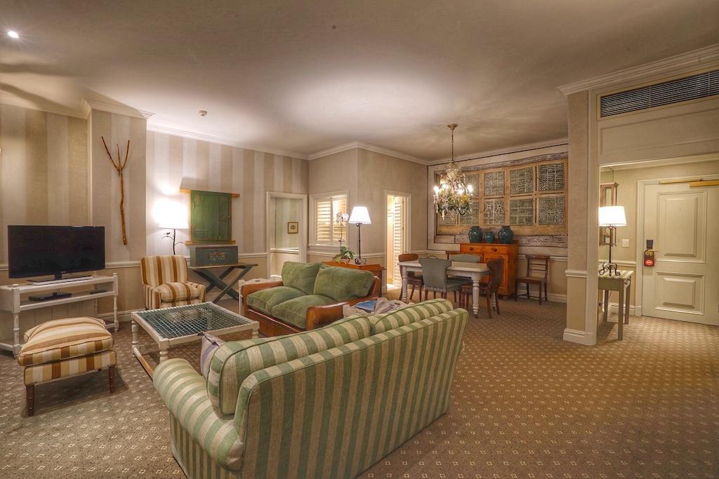 Die Suiten im Cape Grace strahlen allesamt ein sehr exklusives, aber wohnliches Flair aus /