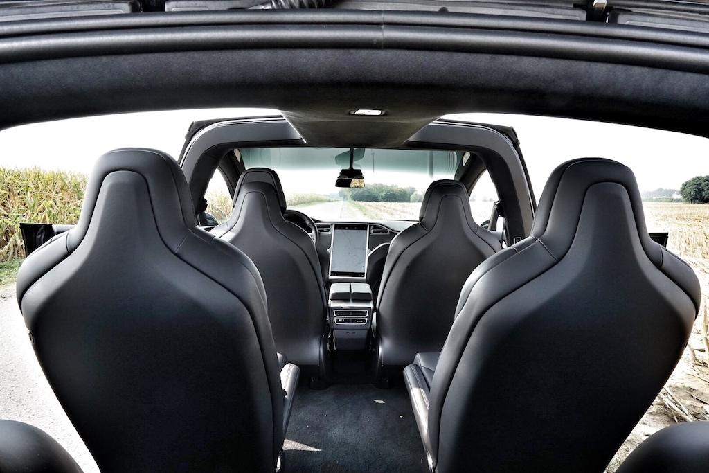 Großzügiges Platzangebot im Tesla Model X - bis 7 Sitze sind möglich
