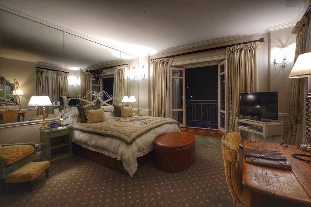 Alle Schlafzimmer verfügen über bodentiefe Fenster mit Step-out Balkon