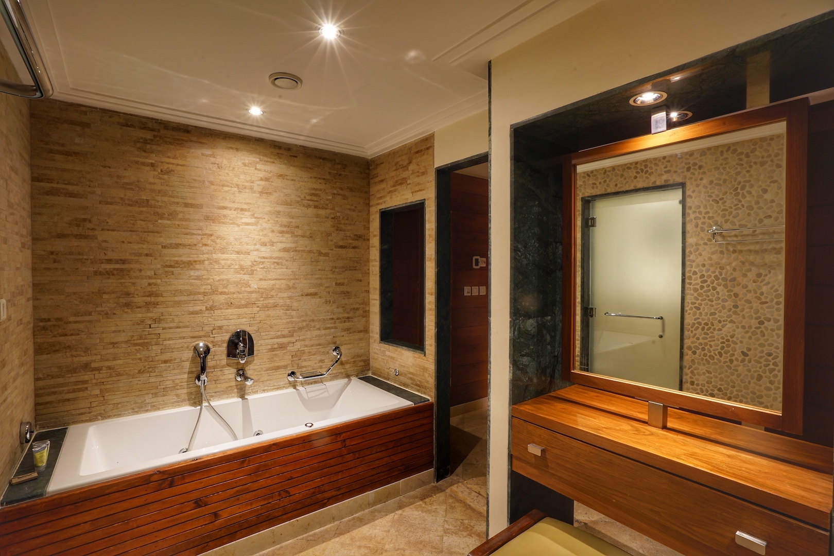Eines der Badezimmer in der Royal Villa