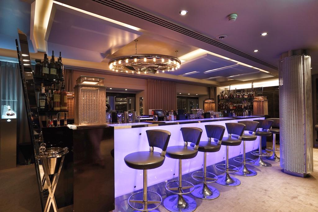 Die trendige Bar Twenty Third ist am Wochenende eine der angesagtestenLocations in Amsterdam