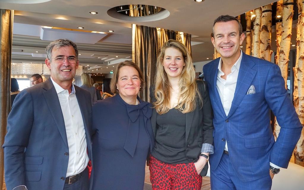Emmy J. Stoel, General Managerin des Okura Amsterdam (2.v.li.), war ebenfalls unter den Gästen des Jubiläums Lunchs