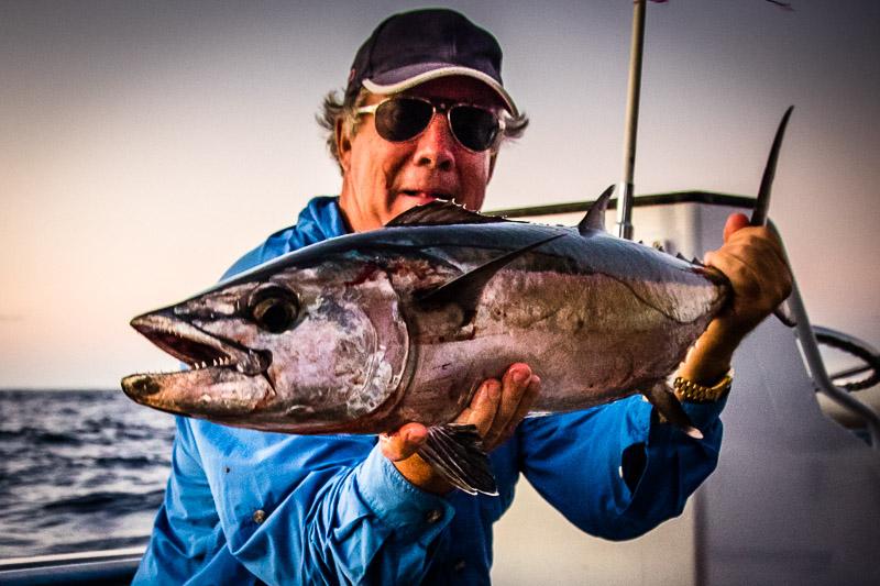 Steward hat schon viel Angelerfahrung, aber von einem solchen Hundszahn-Thunfisch hat er bisher nur geträumt / © FrontRowSociety.net, Foto: Georg Berg