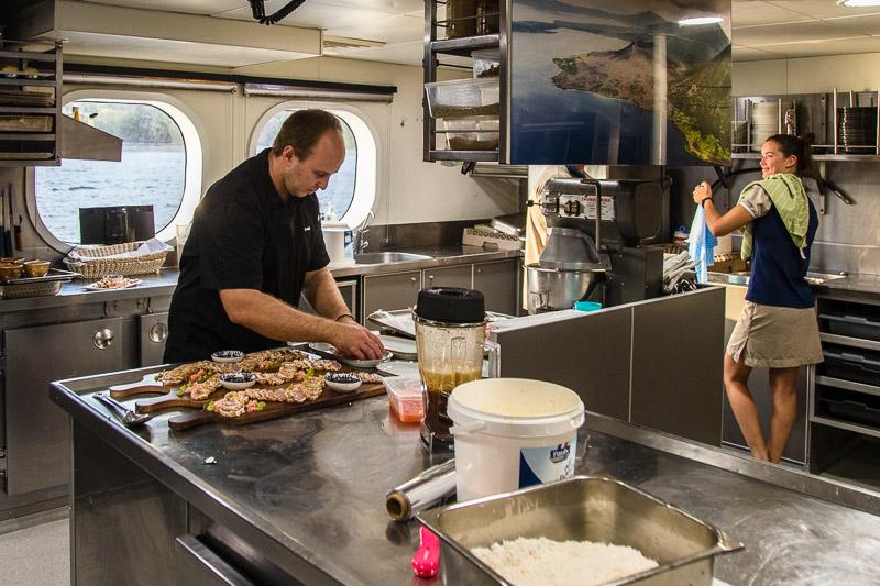 Gavin und Jaimee lieben ihren Arbeitsplatz / © FrontRowSociety.net, Foto: Georg Berg