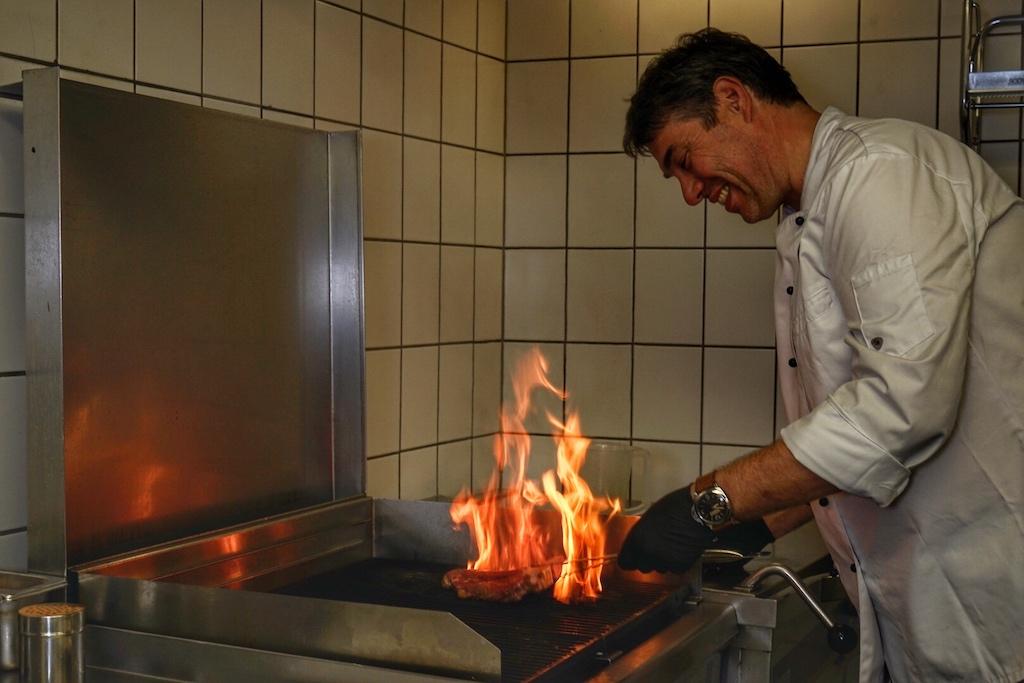 ... welches von Chef de Cuisine Frank Bouje professionell zubereitet wird
