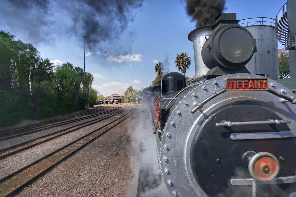 Tiffany ist mit ihren 102 Jahren die älteste Dampflok in Rohan Vos Flotte. Benannt hat er das historische Stück nach seiner jüngsten Tochter