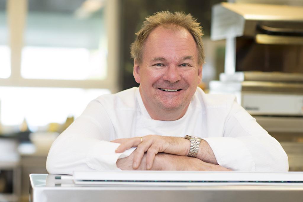 Das Clubrestaurant – mitChefkoch Reinhard Brandner - widmet sich vornehmlich der Zubereitung vonSpeisen aus eigener Produktion und aus derRegion