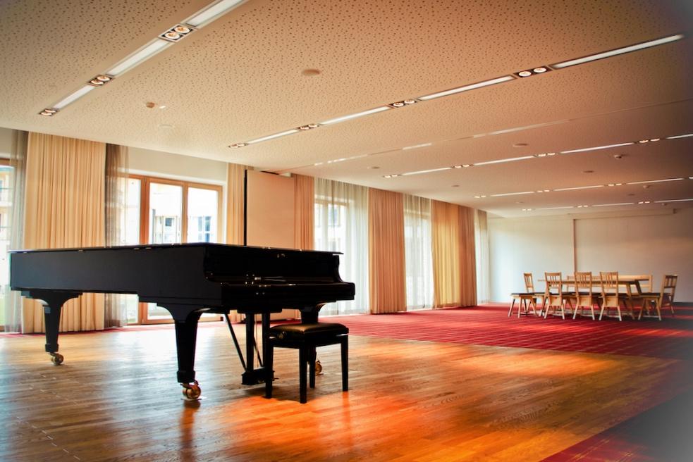 Das begeisterungsfähigeClubleben – hält auch einen Pianoraum für exklusive musikalische Leckerbissenbereit