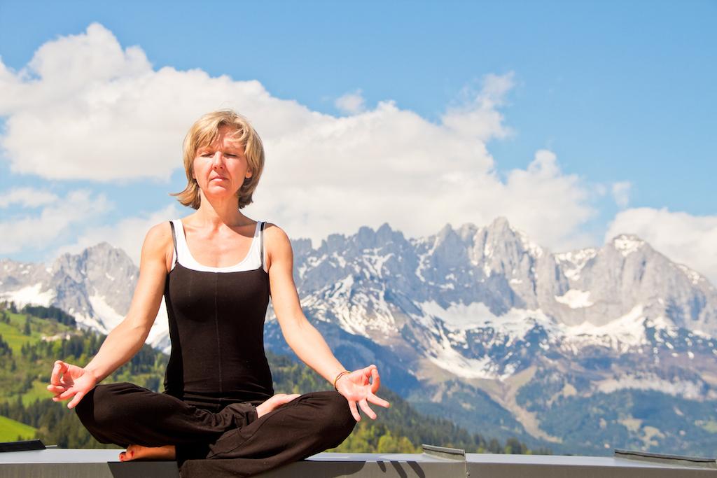 Rund um die Lodges entdeckt mandie einzigartige Natur …und man genießtdie Freiheit beim Yoga