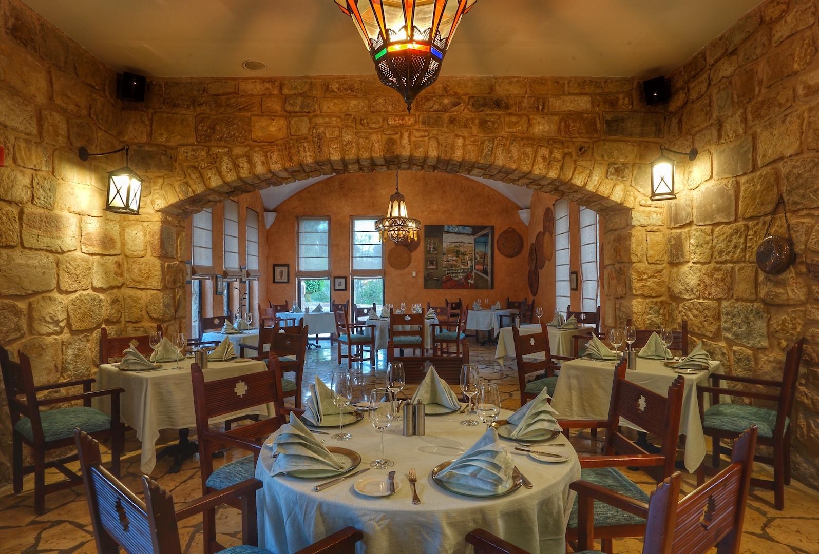 ... drinnen. Das Fine Dining Restaurant des Resort ist für Fleischliebhaber ein Mus