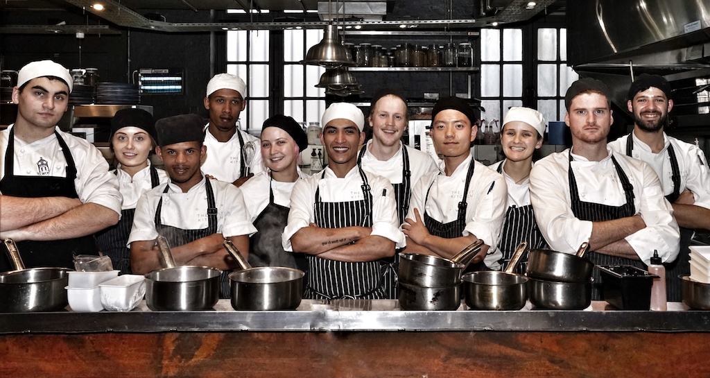 Das Küchenteam des Restaurants The Test Kitchen um Luke Dale Robertson - The World's 50 Best Restaurants - verwöhnen mit ihren Kreationen Gäste aus der gesamten Welt