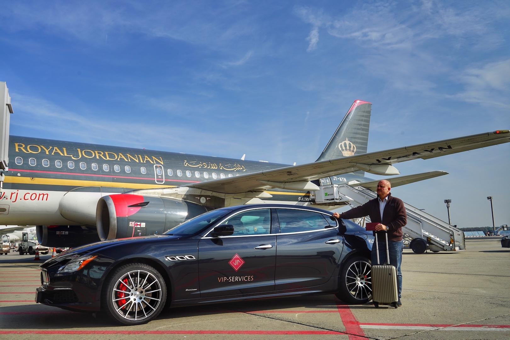 Diesmal ging es mit einem Maserati Quattroporte zumbereitstehendenA320 von Royal Jordanian. FrontRowSociety Herausgeber Andreas Conrad ist vom VIP-Service des Frankfurt Airports überzeugt