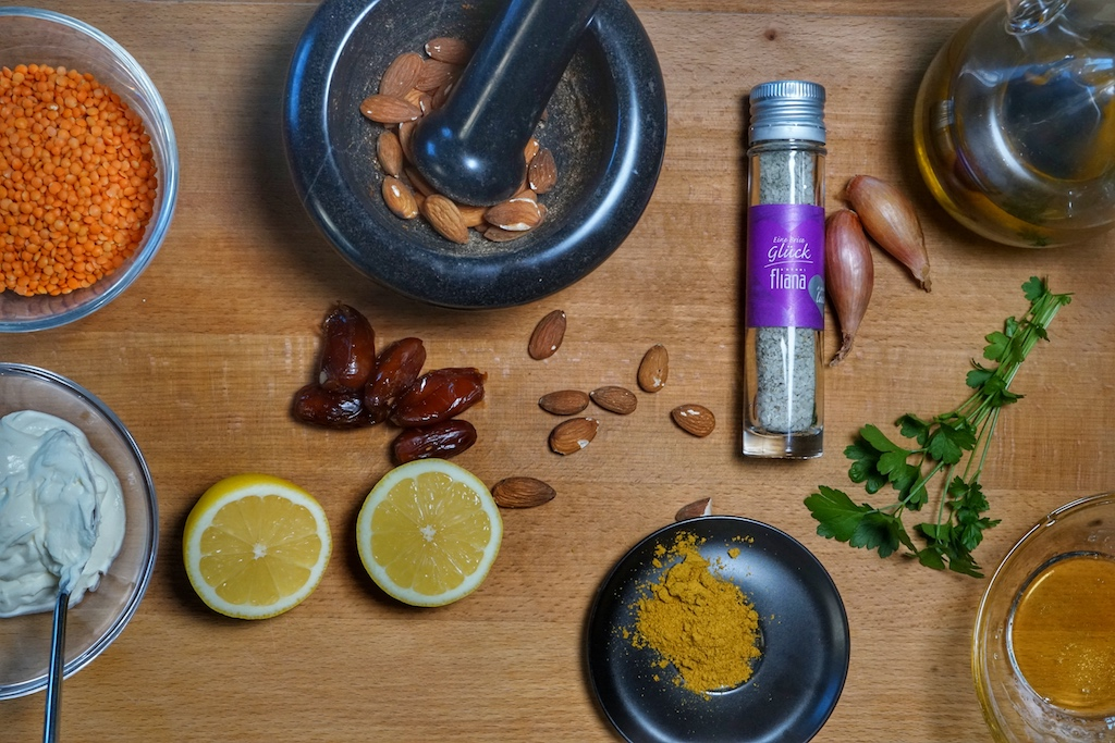 Zitrone und Koriander geben der Suppe den gewissen Frische-Kick