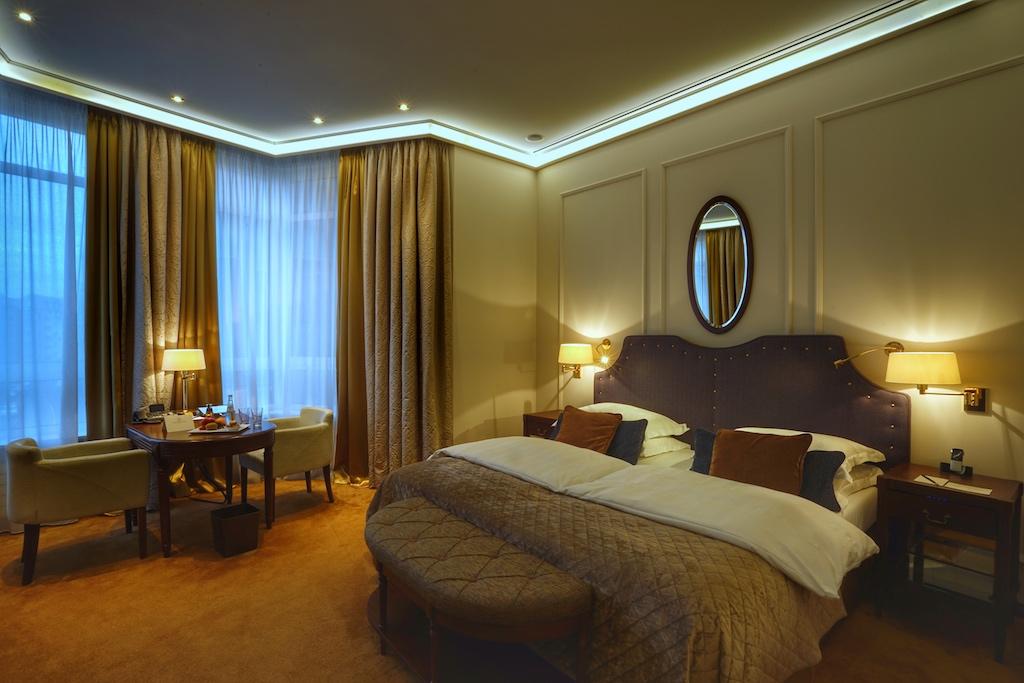 Grand De Luxe - im Luxushotel Excelsior Hotel Ernst in Köln schläft es sich herrschaftlich