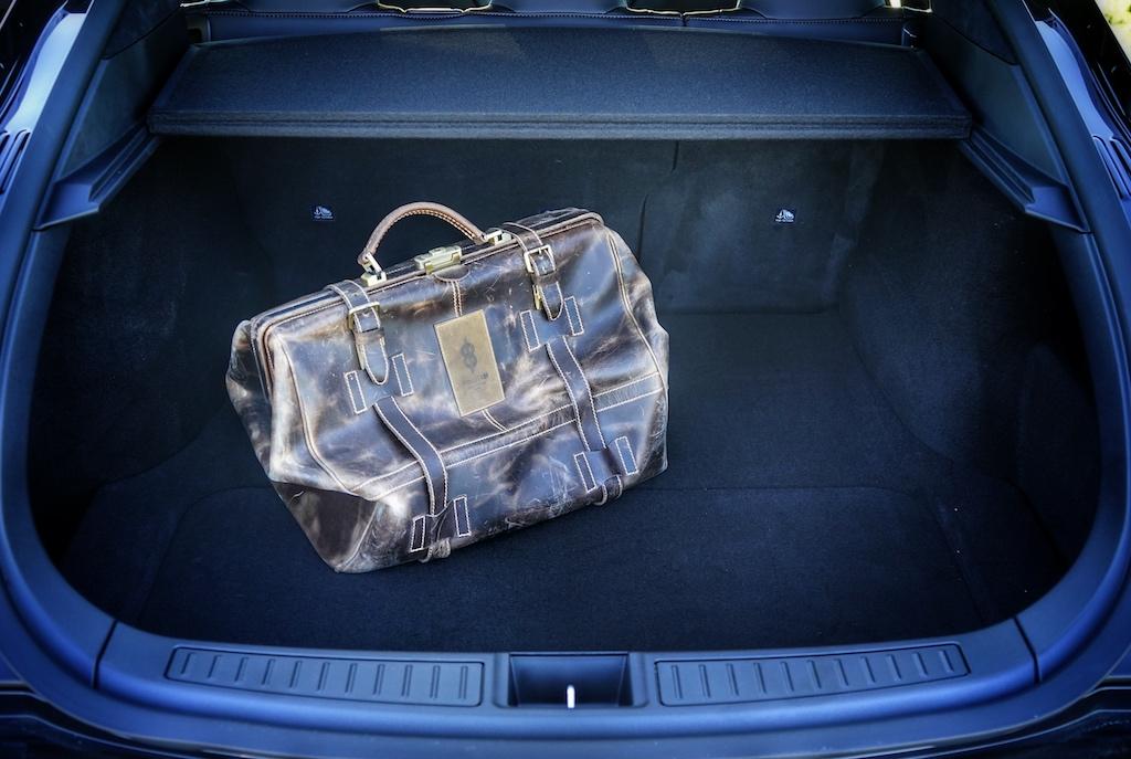 Mit umgelegten Fond-Sitzen bietet das Model S knapp 1700 Liter Stauraum