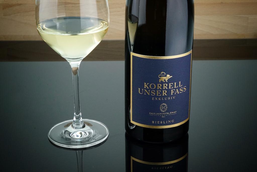 Unser Fass - kein Bier, sondern eine exklusiver Riesling vom Weingut Korrell