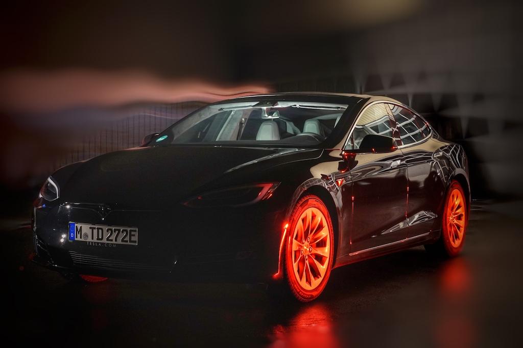 Am Abend haben wir das Model S P100D noch einmal in Szene gesetzt