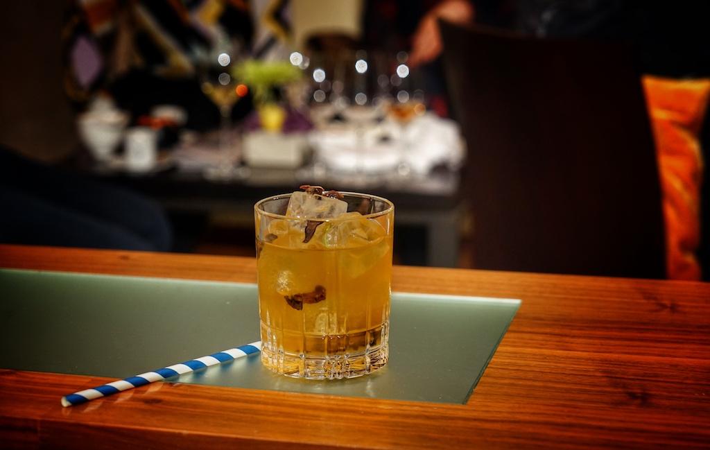 Ebenso fantastisch und außergewöhnlich, der Steinpilz-fashioned.... Bourbon-Rye Blend (eine Steinpilz-Infusion) mit JerryThomas Bitter