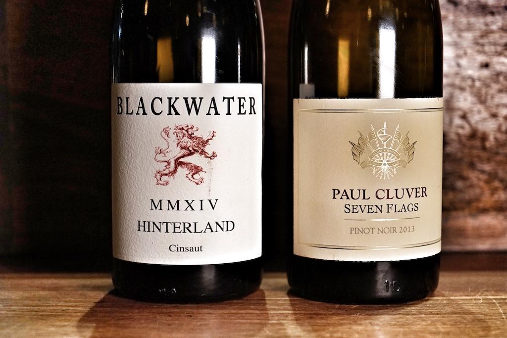 Hatte man sich für die Gourmet Weinbegleitung entschieden, wurde ein Blackwater Hinterland aus dem Jahr 2014 gereicht, für Fortgeschrittene war der Pinot Noir Seven Flags von Paul Cluver vorgesehen