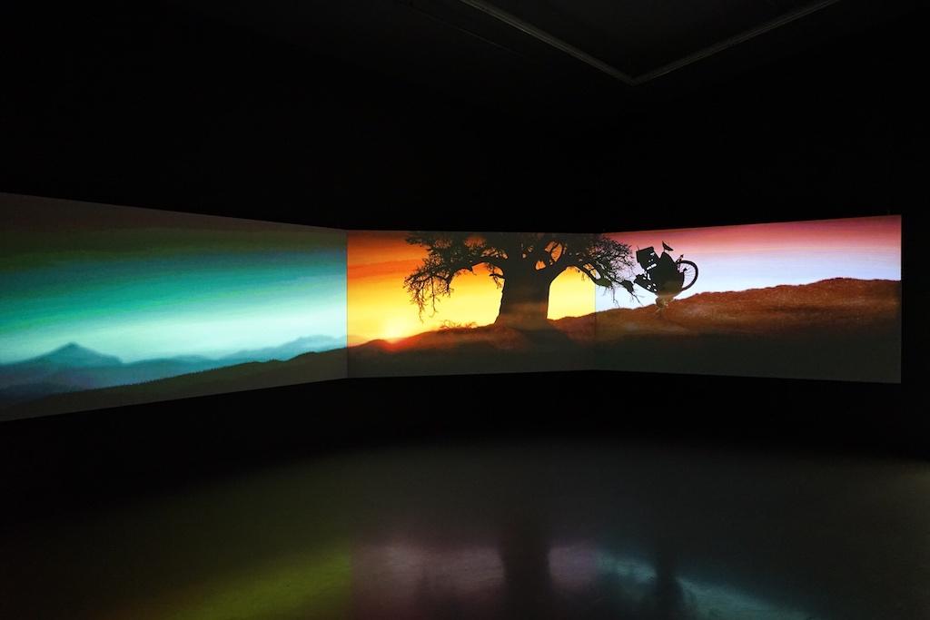 """""""Leinwandspiele"""" in Farbe zeigen anschaulich die Ausbeutung eines Kontinents"""