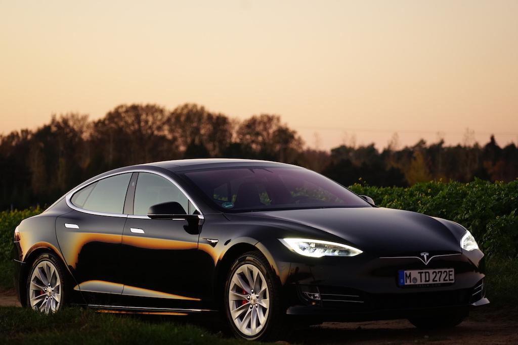Das Model S von Tesla zählt seit2015 zum meistverkauften Elektroauto der Welt