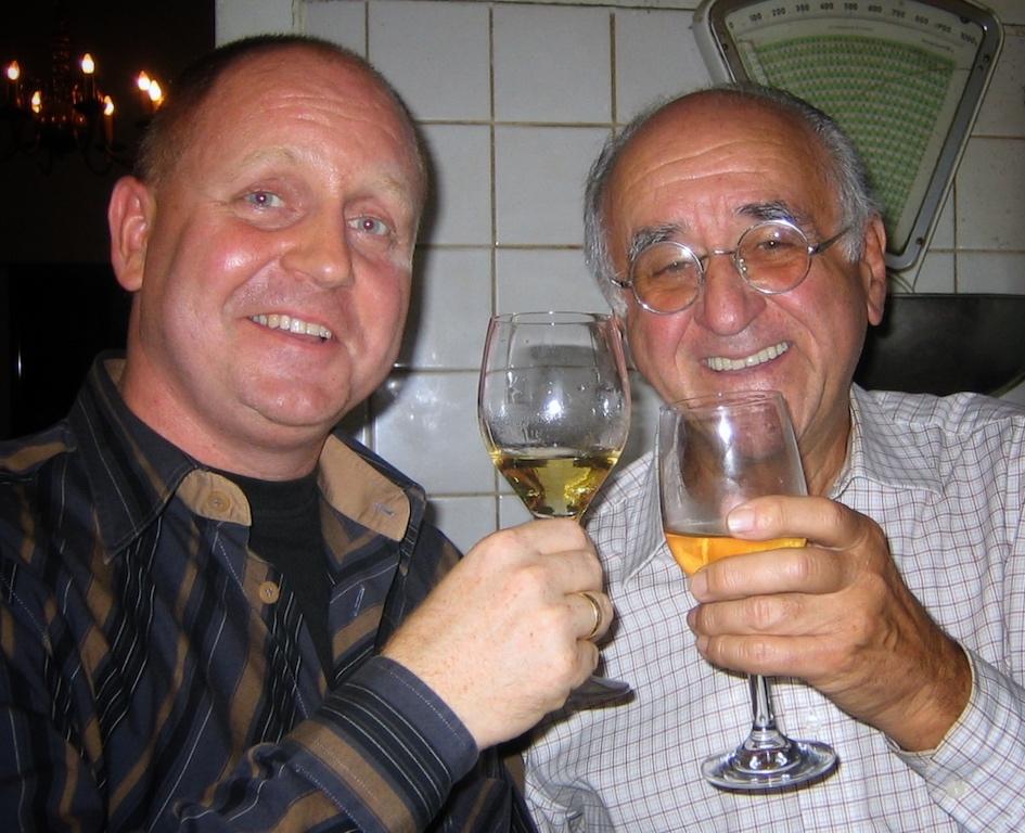 Da waren beide noch deutlich jünger, aber schon von gutem Essen überzeugt: Alfred Biolek und Andreas Conrad, der heutige Herausgeber des Magazins FrontRowSociet