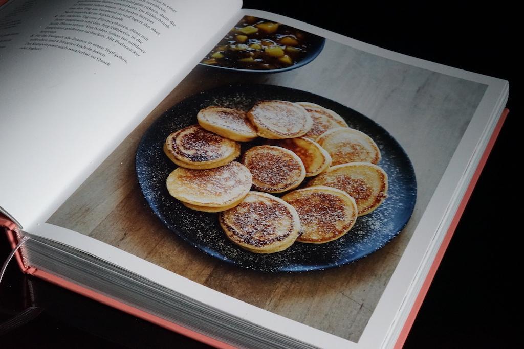 Die einzelnen Gerichte wurden bildstark in Tanjas Kochbuch in Szene gesetzt / © Redaktion FrontRowSociety.net
