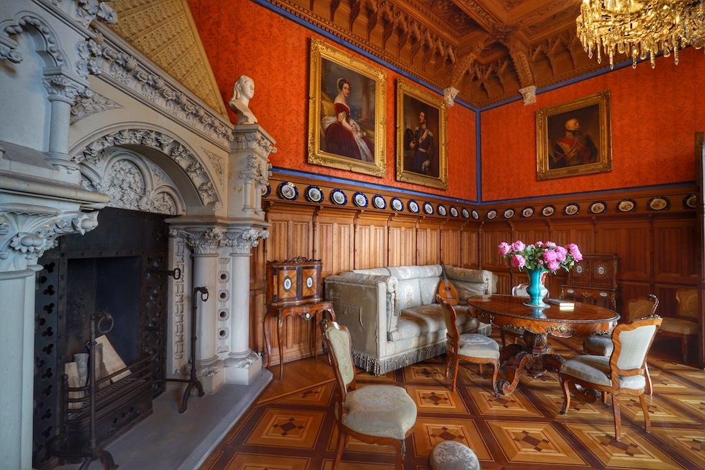 Als gemütliches Wohnzimmer und Salon für private Treffen sollte das Zimmer von Königin Marie fungieren / © Redaktion FrontRowSociety.net