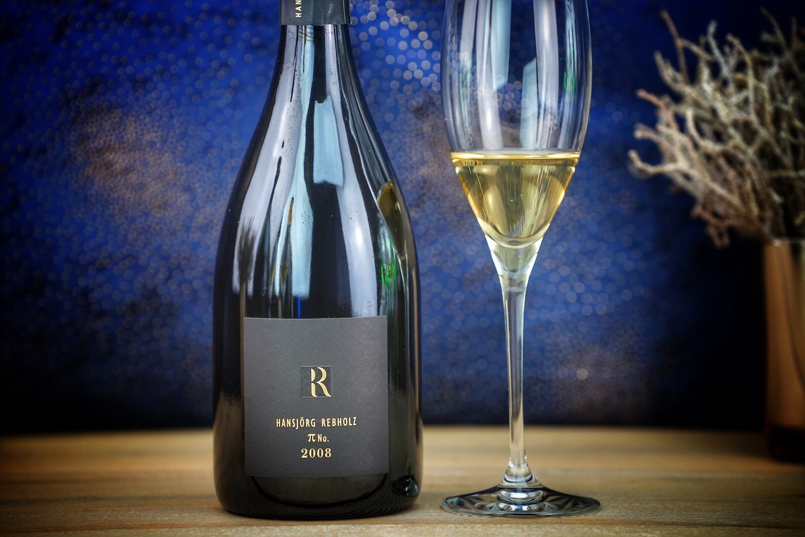 Der 2008 Pi No Gold von Hansjörg Rebholz lag 90 Monate auf der Hefe - die deutsche Antwort auf den Champagner