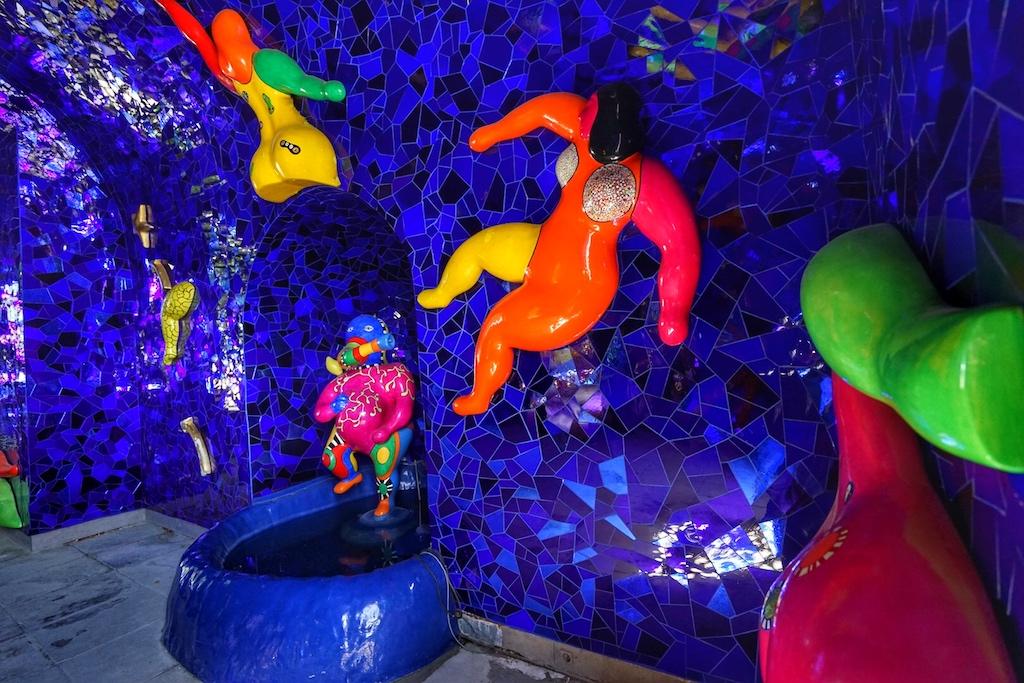 Die von Hannovers Ehrenbürgerin, Niki de Saint Phalle, ausgestaltete Grotte im Großen Garten ist ein einzigartiges Kunstwerk, ein Hannoveraner Unikat