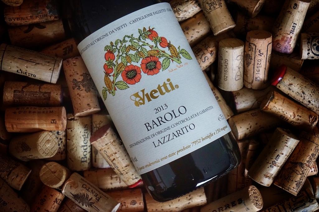 Der Vietti Barolo Larrarito DOCG 2013 gehört zu den lagerungsfähigen Rotweinen, die ihre wahre Eleganz im Alter vollends entfalten
