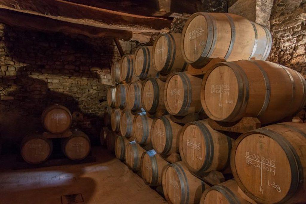 30 Monate dürfen die Weine aus den lagenrein geernteten Trauben reifen, bis zum dem Vietti Barolo Castaglione zusammengeführt werden