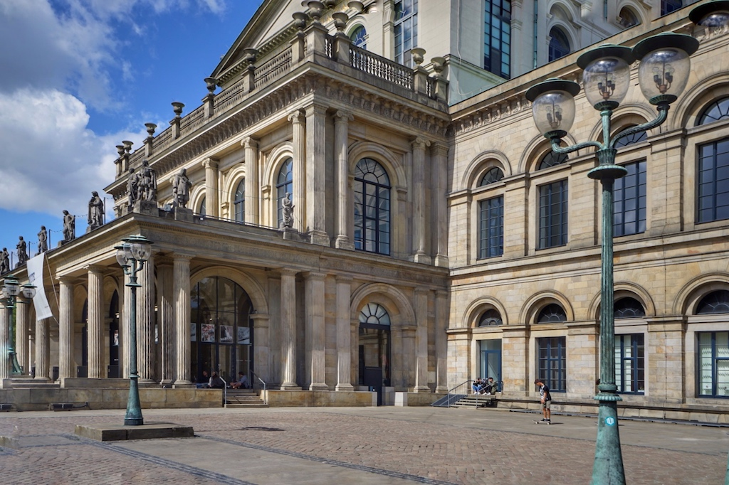 Das Opernhaus von Hannover wird fußläufig vom Kastens Hotel Luisenhof erreicht