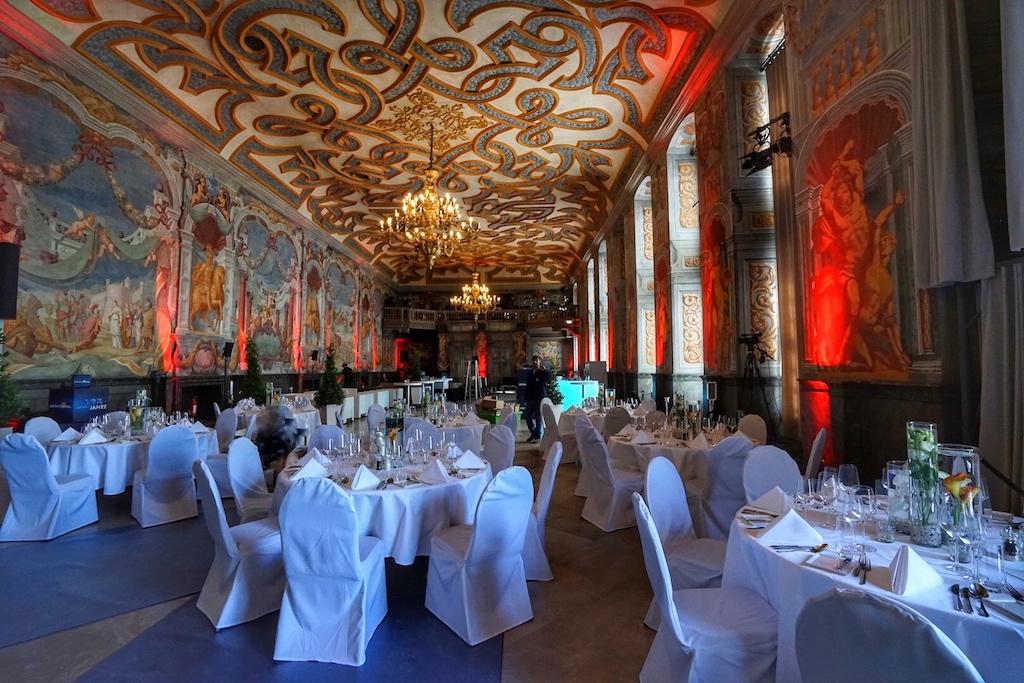 Hauptsaal der Welfengalerie beeindruckt durch seine imposanten Fresken