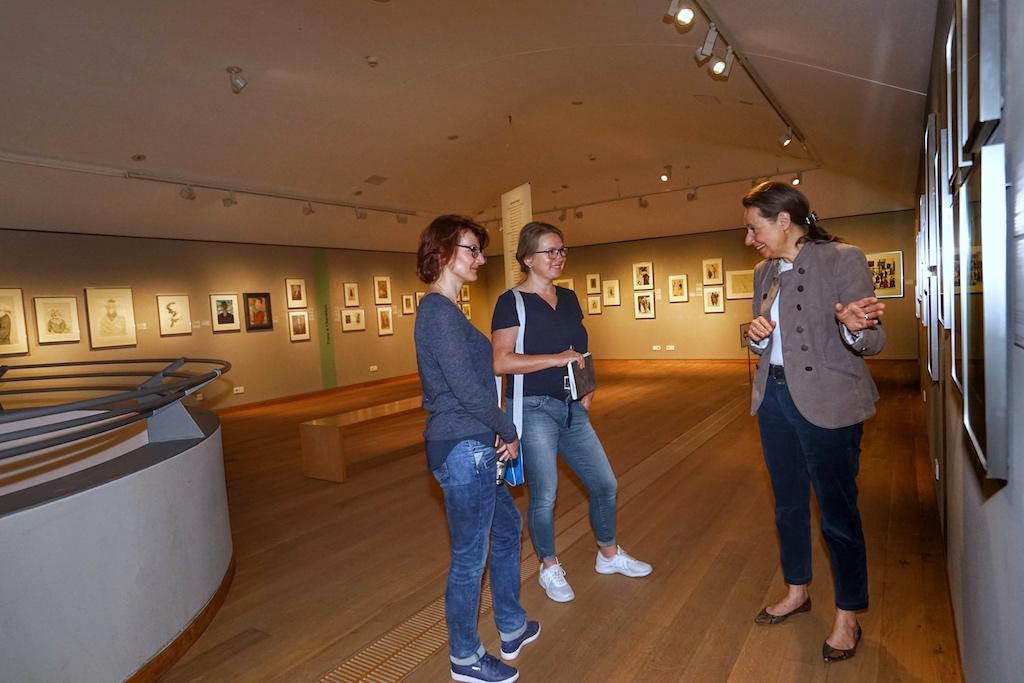 Es empfiehl sich eine Fürung durch das Museum zu buchen, Zeichenkunstgenuss für Augen und Ohren / © Redaktion FrontRowSociety.net