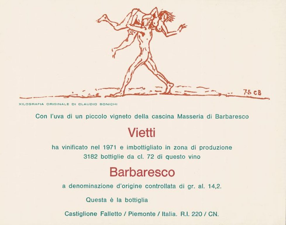 """Claudio Bonichi designte das erste Künstleretikett. Seine Arbeit zierte einen 1971 Barbaresco Masseria. Auf der Abbildung ist ein""""barbaresco"""". Es ist die alte Bezeichnung für einen Sarazenen. Auf seiner Schultern tragend, entführt er eine nackte junge Frau / © Vietti"""