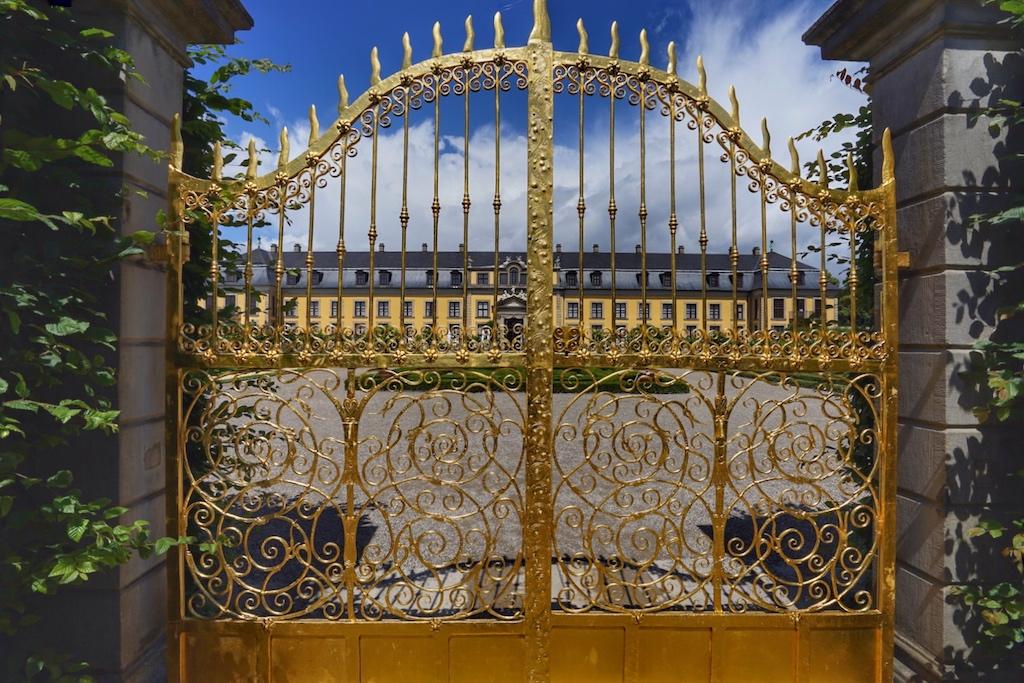 Das goldene Tor eines wahrhaften Märchenschlosses