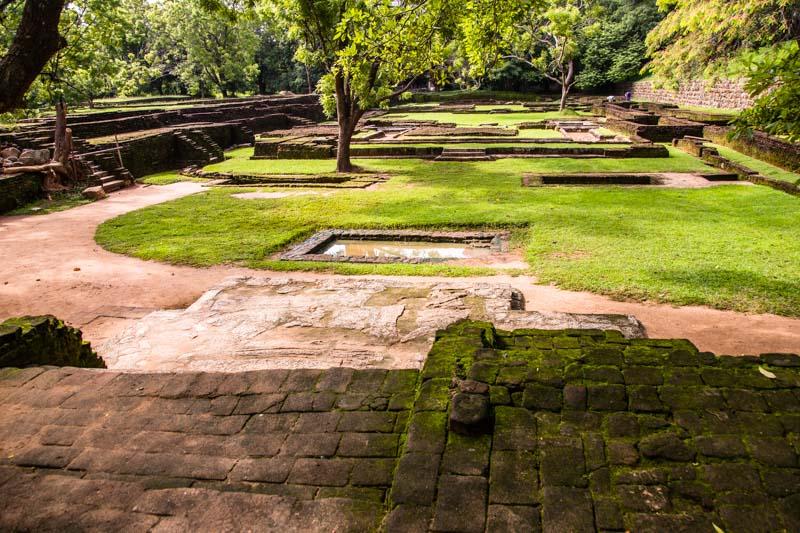 Die Wassergärten befinden sich im flachenTeil der Burganlage / © FrontRowSociety.net, Foto: Georg Berg
