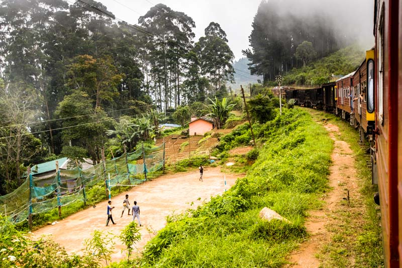Volleyball ist Nationalsport in Sri Lanka. Überall gibt es Spielfelder, die gutgenutzt werden / © FrontRowSociety.net, Foto: Georg Berg