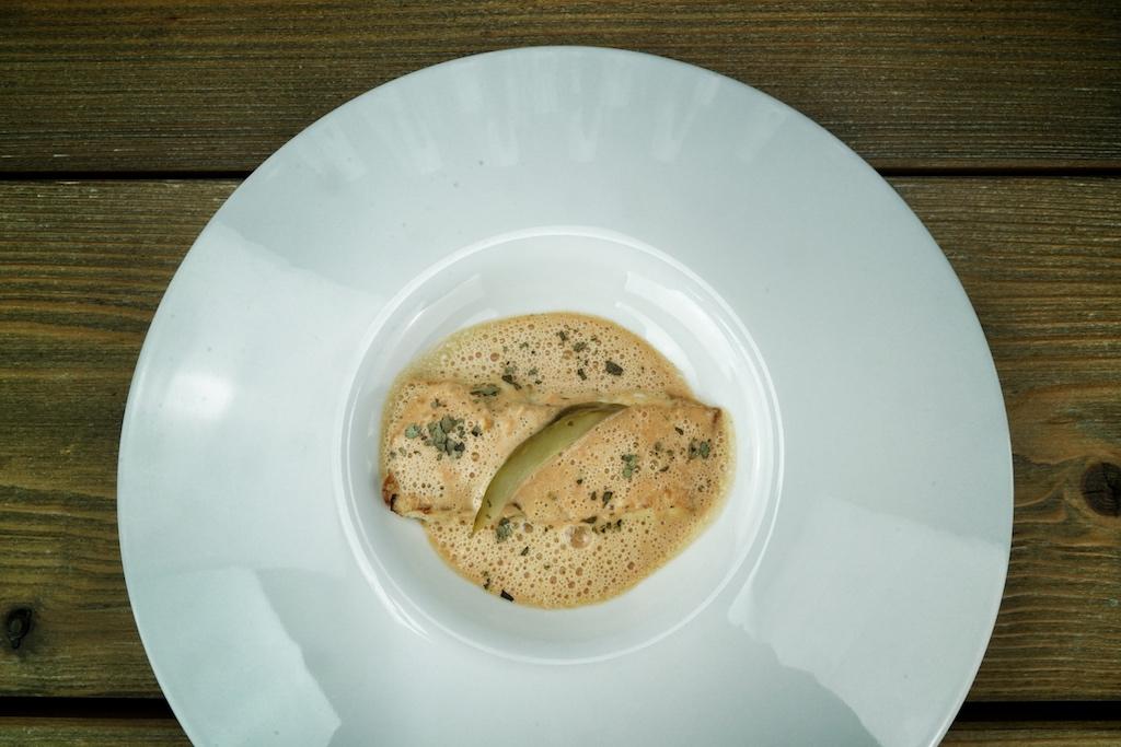 Gegrillter Fisch in Kokosnuss-Sauce; ein feines und leichtes Gericht