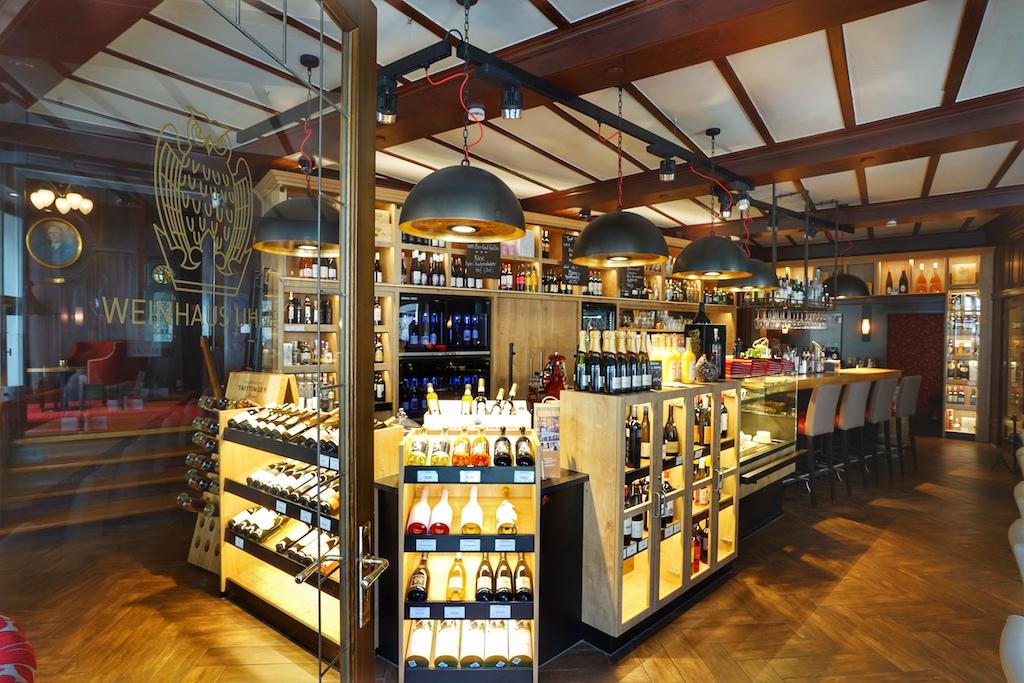 Hereinspaziert ins Weinhaus Uhle, garantiert verlässt kein Feinschmecker den Weinhandel mit leeren Taschen