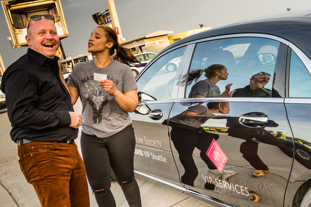 Die bekannte Schauspielerin Dasha Polanco (Orange is The New Black) war sichtlich vom BRABUS Maybach S 900 begeistert